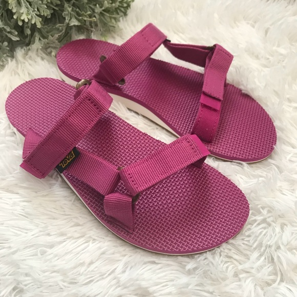 6f33151a9 NEW 💕 TEVA Universal Slide PINK size 7